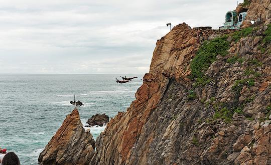 AcapulcoDiversCliff