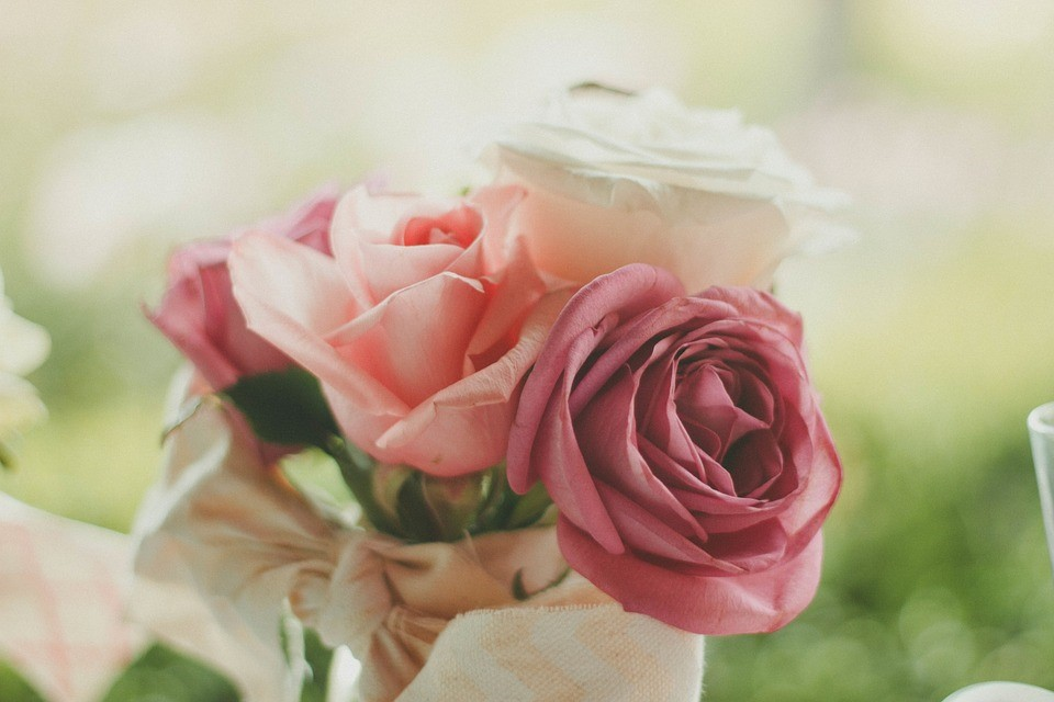 Selecting your wedding flowers & favors