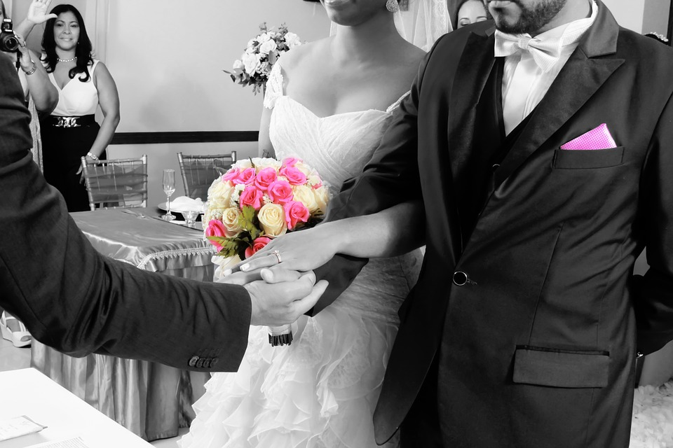 Check reviews for your wedding officiant